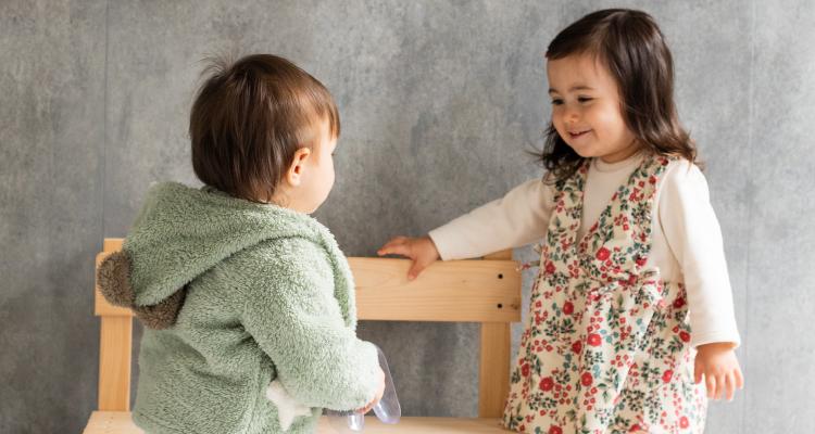 Kids ZOO ほのぼのとしたかわいらしいナチュラルスタイルに定評のある乳児のためのブランドです。